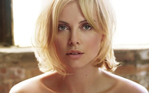 charlize-theron-wallpaper-4