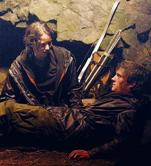 Katniss-Peeta-Cave-Scene