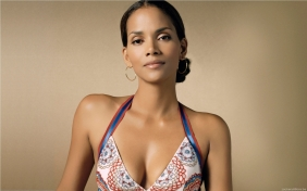 Halle-Berry-Widescreen-Wallpaper-halle-berry-8535926-1920-1200