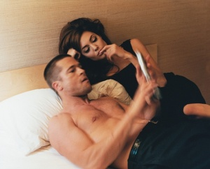 brad-pitt-angelina-jolie-domestic-bliss-12-jpg