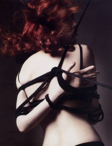11_Carine_Roitfeld_The_Devil_Wears_Fetish_tu_style