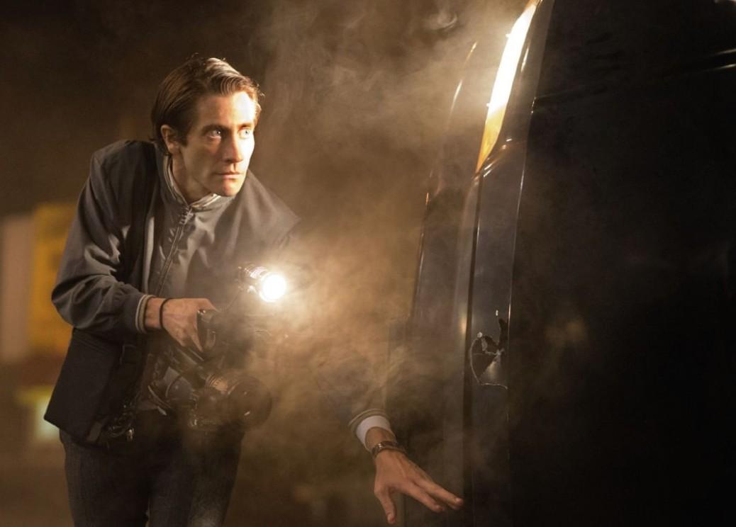 nightcrawler-jake-gyllenhaal-flashlight-lou-bloom